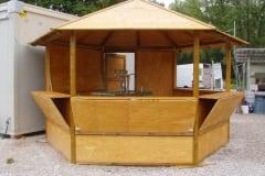 Chiosco in legno esagonale
