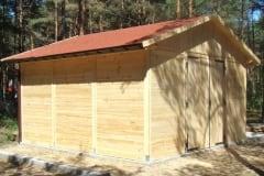 Garage in legno chiaro