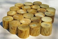 Pavimento a tondelli in legno : altezza cm.10, diametri vari, impregnate in autoclave