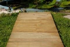 Pavimento in legno per esterno a Quadrotte di listelli orizzontali