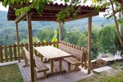 Set MASSIF: tavolo e panche, strutture di sostegno cm. 9x9, tavole spessore cm. 4,5x9
