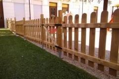 Cancello in legno per steccato stondato