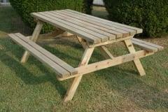 Tavoli da giardino in legno serie PICNIC, panche incorporate