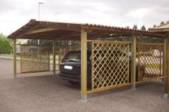 Carport con struttura in legno lamellare