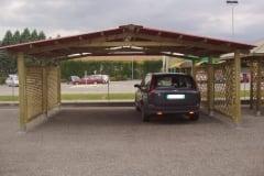 Carport con travi in legno lamellare